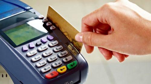 Guia do Procon-SP orienta sobre uso do cartão de crédito