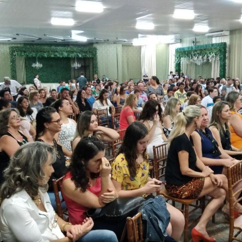 Rotary Club de Taquaritinga realiza projeto Mérito Escolar