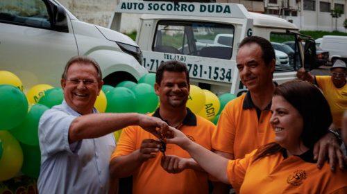 ACIT realiza entrega do veículo Okm para ganhador