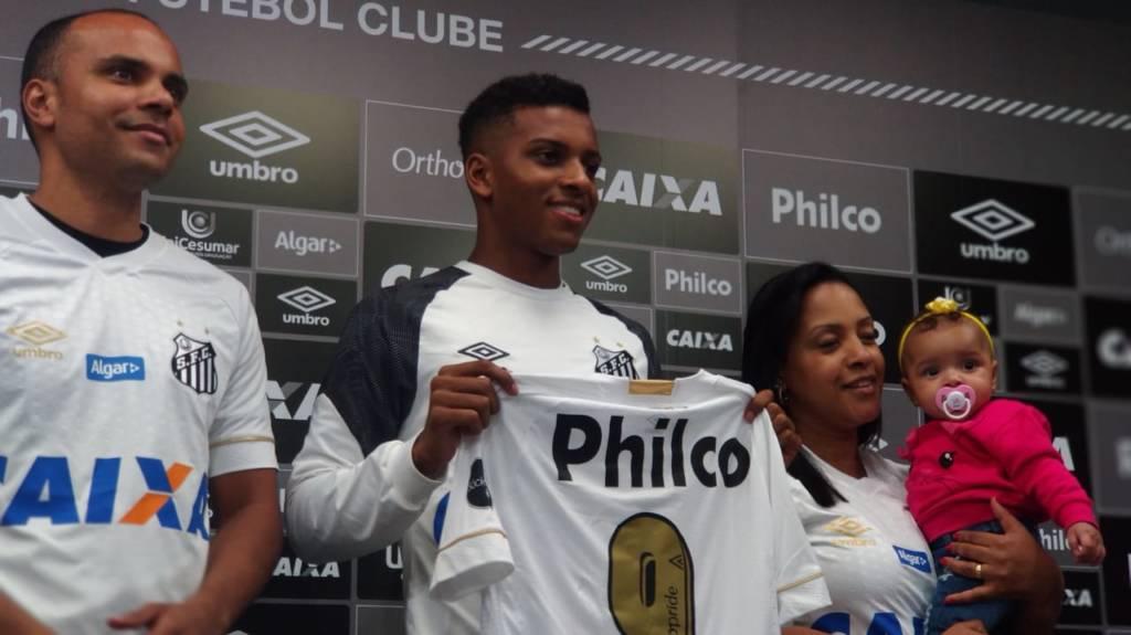 Numeração  Camisa ´9´ tem dono no Santos  58f2e6ff9e2d3