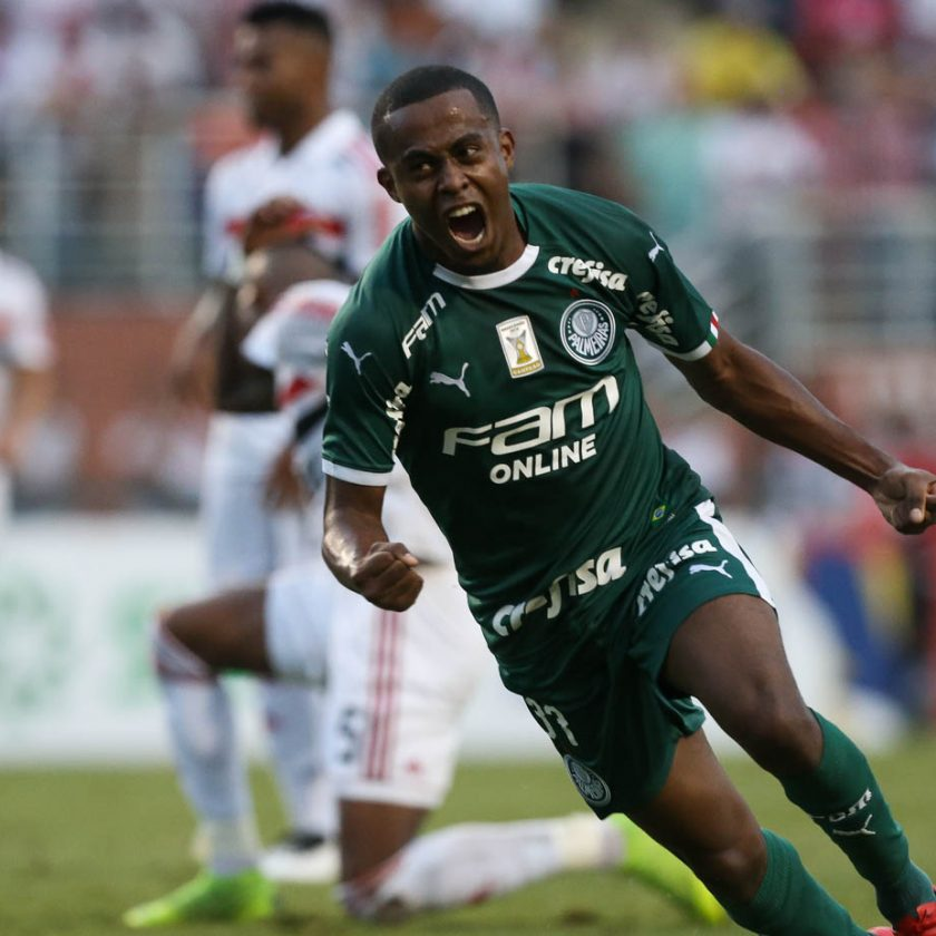 Futebol:Palmeiras bate São Paulo no Pacaembu