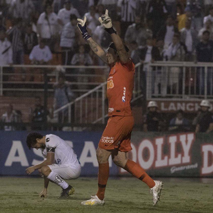 Com grande atuação de Cássio, Corinthians vence Santos nos pênaltis e está na final do Paulistão 2019