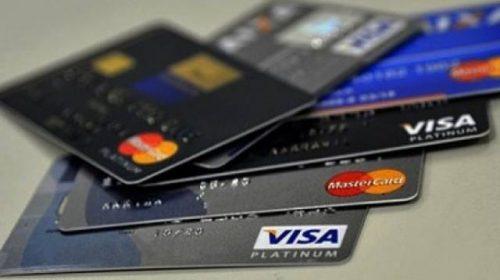 Guia do Procon-SP orienta cidadãos sobre uso do cartão de crédito