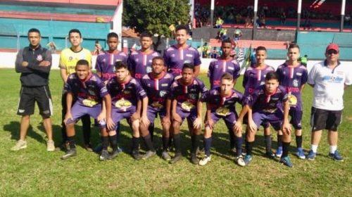 Comemoração:Bola na Rede Branco fatura campeonato sub-15 de futebol amador