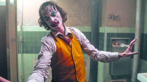 Coringa: Joaquin Phoeniximprovisou cena emblemática do filme
